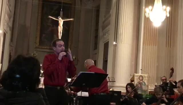 Fabio Galliani.(法比欧.加里亚尼)用他和我公司合作改进的三管在2019年意大利奥卡利那节演奏《怀旧》名曲
